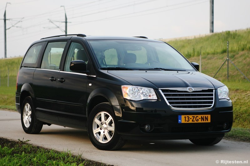 test chrysler grand voyager 2 8 crd touring. Black Bedroom Furniture Sets. Home Design Ideas